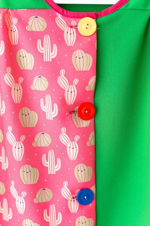 bata-maestra-manga-larga-cactus-original-color-verde-y-fucsia