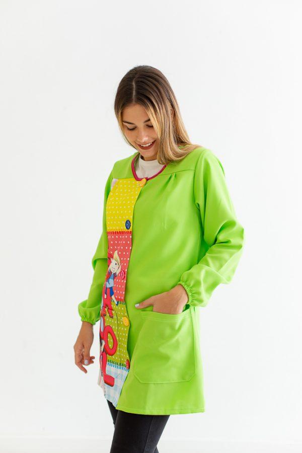 bata-maestra-manga-larga-school-verde-estampado-original